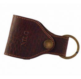 Llavero de piel de primera calidad en color marrón.