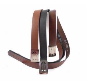 Cinturón de piel ancho con hebilla de chapa