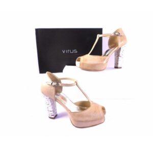 Sandalia Virus beis con piso blanco rayado