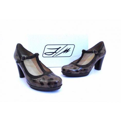 Zapatos J.Montesinos animal print charol con tira en T