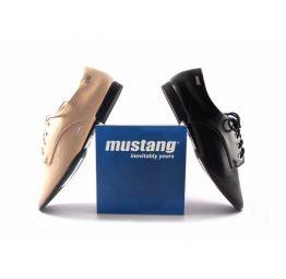 Zapatos Mustang Cannes con cordones planos en negro o en maquillaje