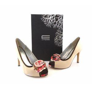 Zapatos E.Ferri peep toe beis con flower print