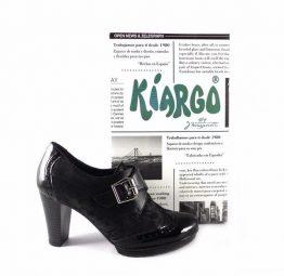 Zapatos abotinados Kiargo con tacón en color negro 6132