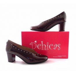 Zapatos de salón D´Chicas escotados en burdeos charol