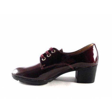 Zapatos cordones con tacón medio en charol burdeos D´Chicas