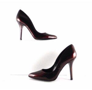 Zapatos de salón Gabriela de punta fina charol burdeos