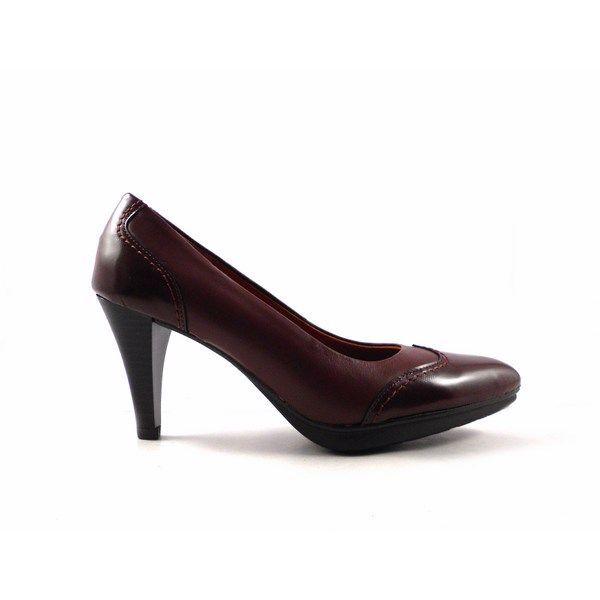 Zapatos de salón piel Lucía Barceló de punta fina en color burdeos