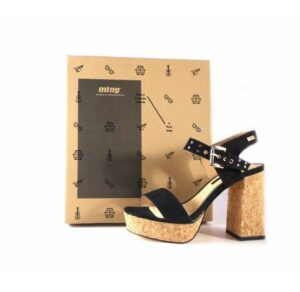 Sandalias de tacón Mustang modelo Kiana en color negro 50908