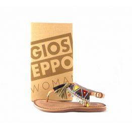 Sandalias planas Gioseppo modelo Taplai en color marrón 27795
