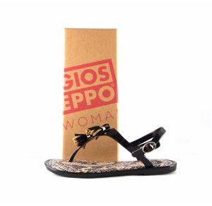 Chanclas de mujer Gioseppo modelo Condra en color negro 27891