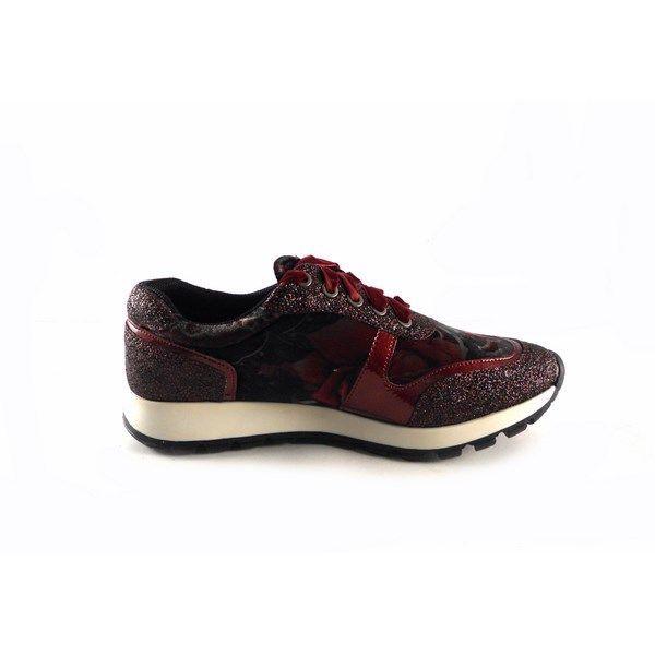 Sneakers D'Angela modelo Hortense terciopelo color burdeos