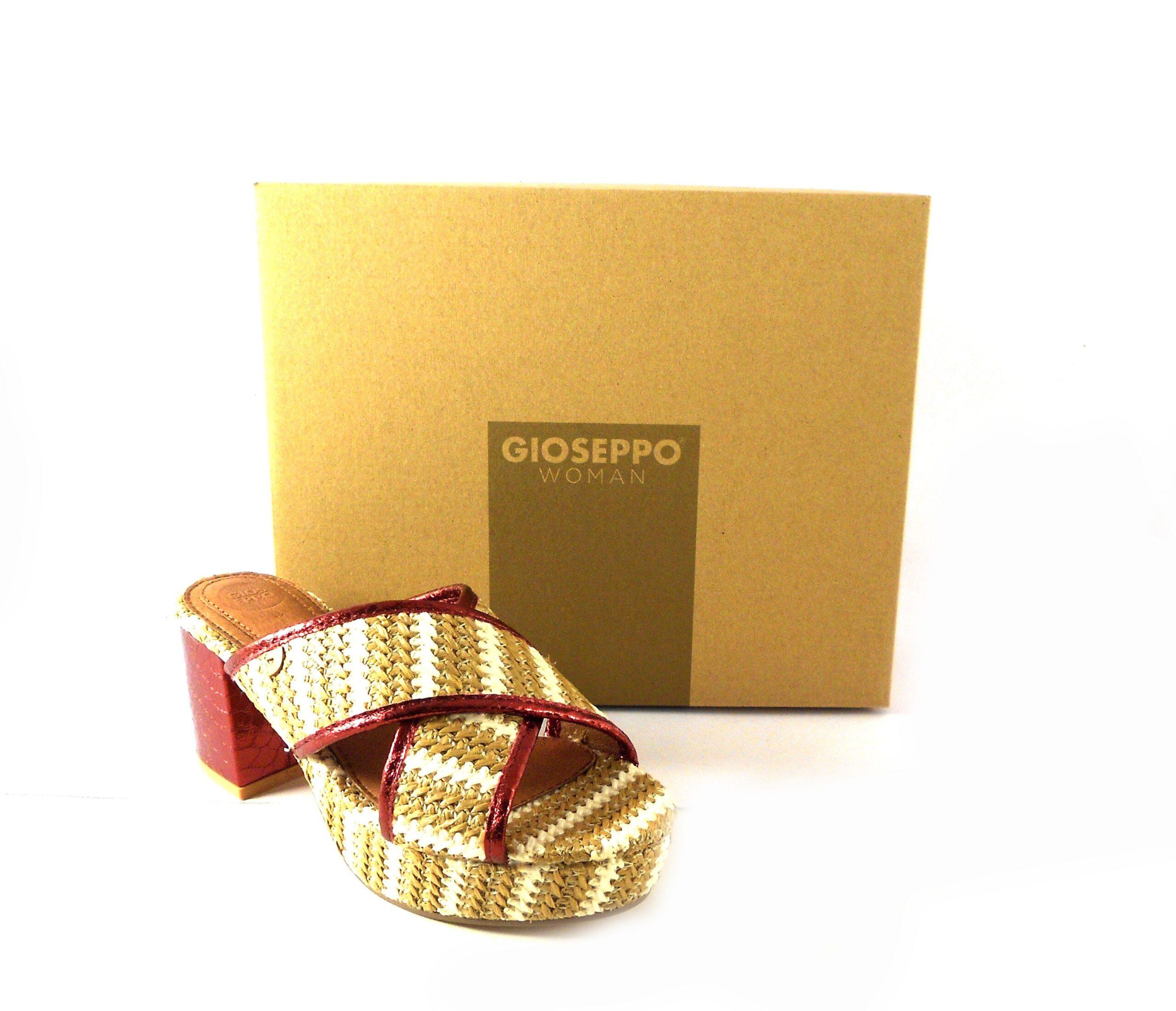 Sandalias de tiras cruzadas Gioseppo en beige y blanco con tacón para mujer 44371