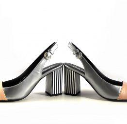 Sandalias Gabriela de tacón rayado negro combinadas con rosa maquillaje