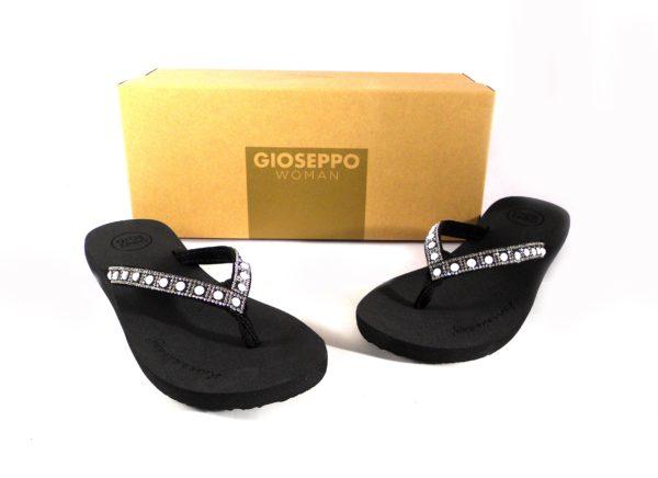 Chanclas negras estilo esclava con perlas Gioseppo 43274