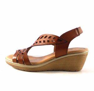 Sandalis de cuña Marila Shoes confort color cuero con planta acolchada