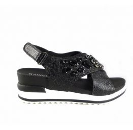 Sandalias cuña tiras cruzadas D'Angela Shoes color negro