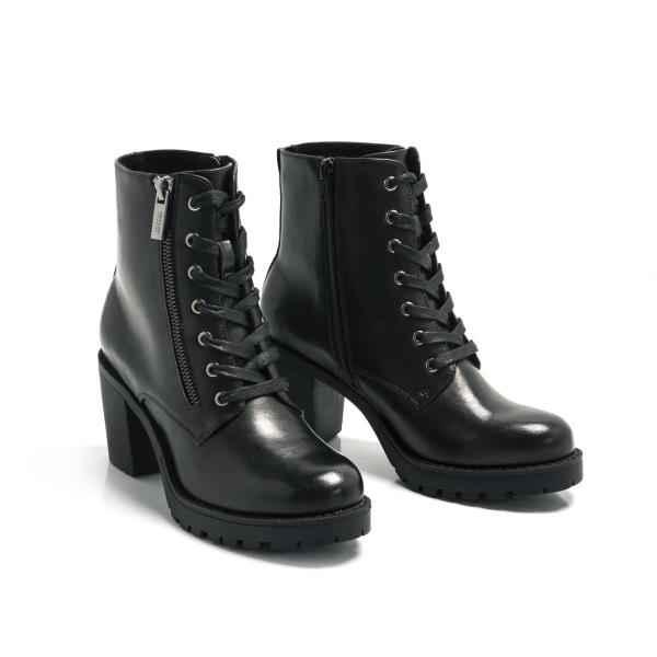 zapatos de separación 6e6d6 b5056 Botín con tacón negro de cordones Mustang modelo Tini 57854
