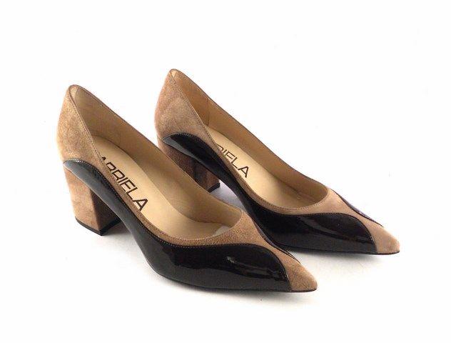 Zapatos de salón de diseño en piel Gabriela en charol marrón con taupe