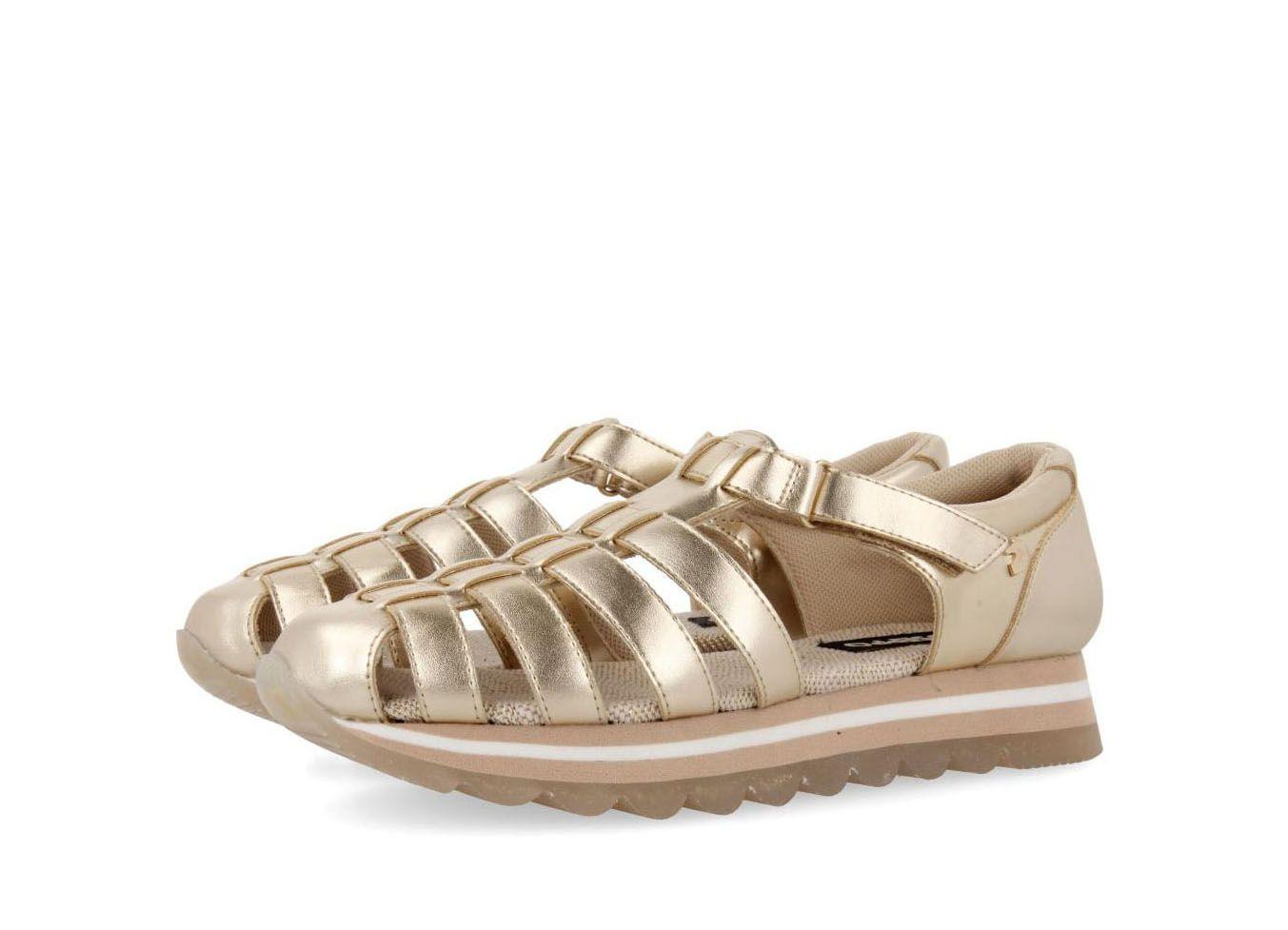 1b412186 Sandalias deportivas Gioseppo estilo cangrejera en oro LISCIA 49131