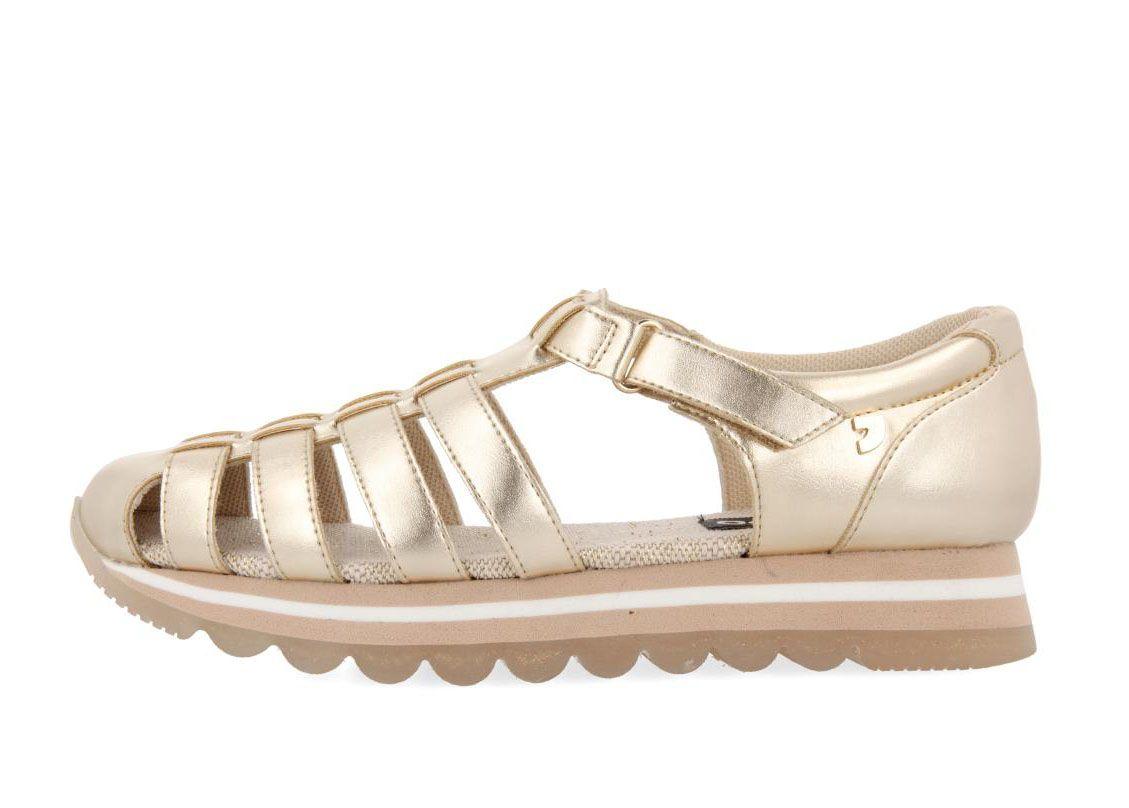 93f8621a740 Sandalias deportivas Gioseppo estilo cangrejera en oro LISCIA 49131