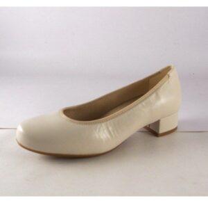 Zapatos de salón en piel de tacón bajo D'Chicas color beige