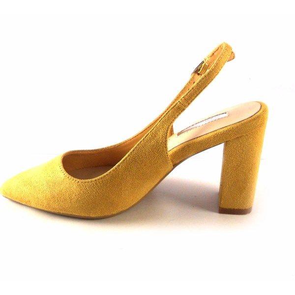 Zapatos punta fina y tacón ancho D'Angela Shoes color mostaza