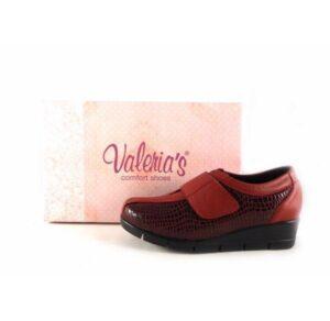 Zapatos mujer comfort Valeria's con cierre de velcro en color burdeos