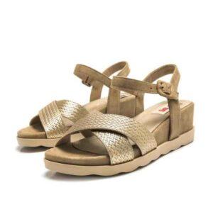 Sandalias de cuña MUSTANG Nagua color oro