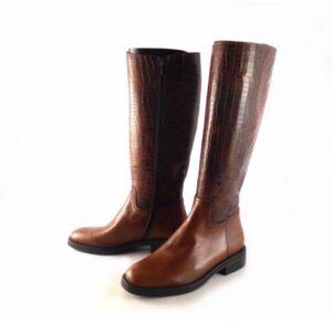 Botas altas planas de mujer D'CHICAS en piel tipo montar color cuero